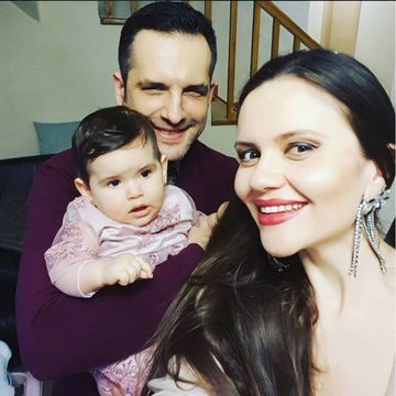 Cristina Siscanu si Madalin Ionescu se pregatesc de petrecerea de 1 an a fetitei! Ii vor rupe turta Petrei! Video Exclusiv!