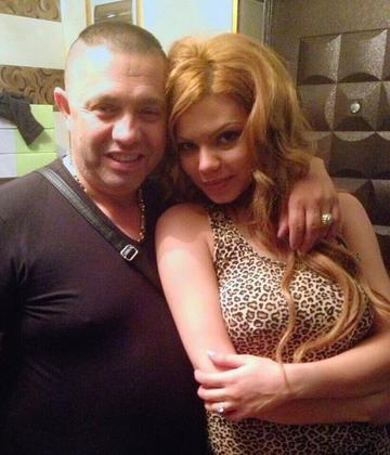 Beyonce de Romania ii cere 50.000 euro medicului Kasem! Fosta iubita a lui Guta sustine ca doctorul i-a gresit operatia la sani