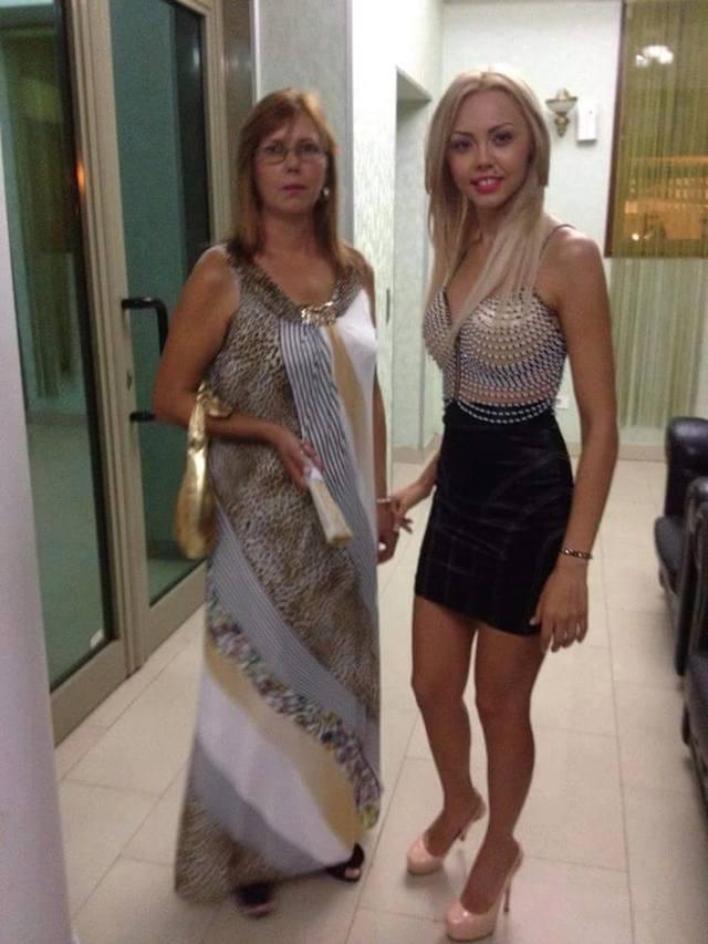 Mama Denisei Raducu zambeste din nou in bratele sotului! Vezi aici ultima poza de familie cu Geta FOTO