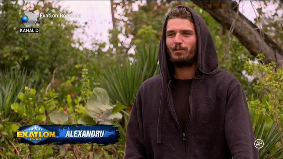 Exatlon 28 martie. Alex de la Razboinici in stare de soc! Ce a gasit in baia din casa? A strigat imediat la colegii lui!