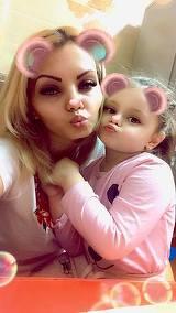 Ce mare s-a facut fetita lui Nicolae Guta! Anais, filmata cand povestea ce face la scoala