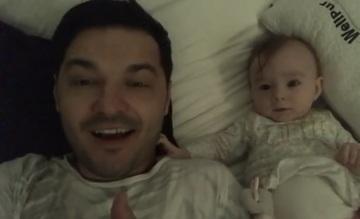 Imagini adorabile cu Liviu Varciu si fetita lui! Micuta Anastasia si-a pedepsit tatal si a inceput sa il traga de urechi