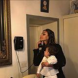 Madalina Ghenea isi invata fetita sa vorbeasca in limbi straine. La 1 an, Charlotte stie engleza!