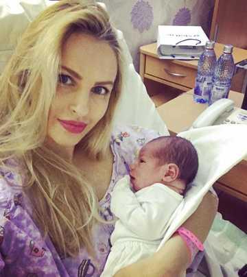 Andreea Spataru a nascut! Avem primele imagini cu bebelusul