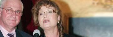 Angela Similea s-a angajat la firma sotului ei pentru ca nu mai castiga bani din muzica! Ce suma ridicola incasa marea cantareata ca administrator al firmei lui Victor Surdu! EXCLUSIV