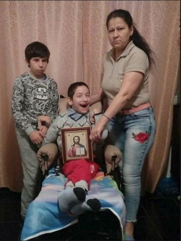 Copilul paralizat ajutat de Gigi Becali si parintii lui, mesaj emotionant pentru Giani Kirita. Saracia si problemele de sanatate ii doborasera, dar Exatlon-ul... i-a salvat FOTO!