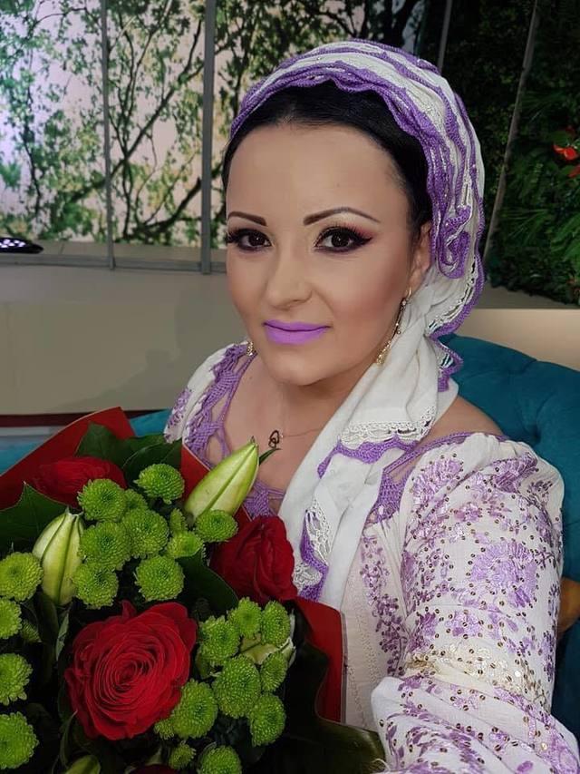Silvana Riciu isi serbeaza azi ziua de nastere! Ce nume trebuia sa poarte de fapt cantareata