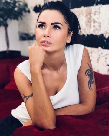 Oana Zavoranu i-a cerut iertare Corinei Danila! Ce facea controversata bruneta pe platoul de filmarea al primei telenovele romanesti