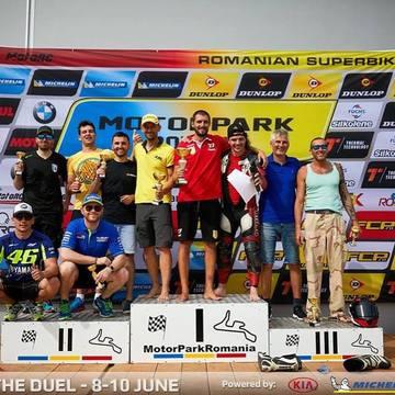 Surpriza pentru Catalin Cazacu! Razboinicii de la Exatlon au venit sa il incurajeze la prima lui cursa de motociclism de cand a revenit in tara