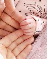 Laura Cosoi si-a dus fetita acasa! Afla cine s-a bucurat cel mai sincer cand a vazut bebelusul