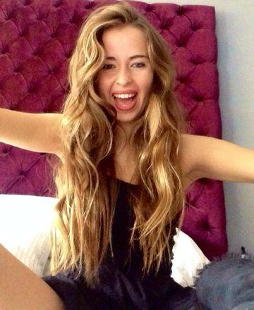 Fiica lui Miodrag Belodedici a lasat Spania pentru Romania! Frumoasa Zandalee a lucrat intr-un hotel din Barcelona, dar s-a mutat la un stabiliment de 5 stele din Bucuresti!
