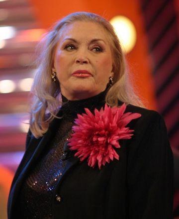 Zina Dumitrescu are 82 de ani si a fost sarbatorita de cele mai frumoase femei din Roamania. Cine i-a fost alaturi celebrei creatoare de moda