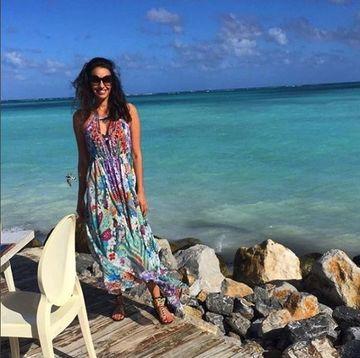 Ce viata de lux duce Consuelo in Republica Dominicana! Uite-o pe fosta sotie a lui Adrian Mutu cum sarbatoreste cu sampanie vanzarea vilelor de milioane de dolari!