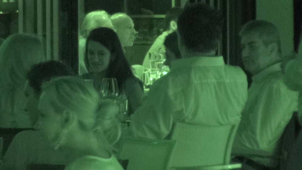 VIDEO EXCLUSIV! Avem imagini de la cea mai secreta intalnire din lumea politica! Vicepremierul Gabi Oprea si-a scos vechii combatanti la un sprit de vara! Ce nume grele au stat la masa cu omul care ii tine in prezent locul primului ministru Victor Ponta!