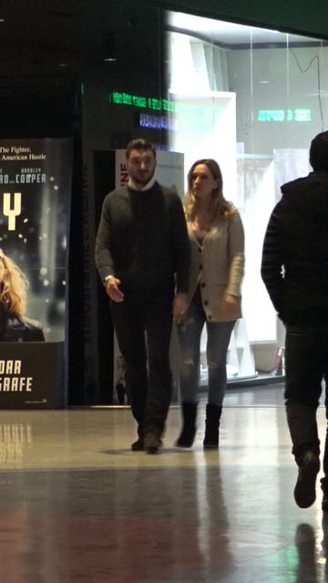 """VIDEO EXCLUSIV   Ce mai face primul """"Versace"""" din Romania! Dana, fosta sotie a lui Dan Petrescu, continua sa se iubeasca patimas cu Marian, un barbat cu 12 ani mai tanar decat ea!"""