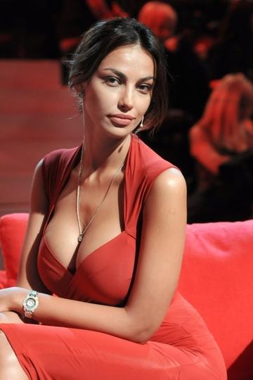"Bomba in showbiz-ul mondial! Madalina Ghenea si-a mai trecut un nume greu in ""portofoliu"": s-a combinat cu Philipp Plein, unul dintre cele mai in voga designeri la ora actuala in industria vestimentara!"