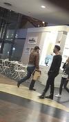 """VIDEO EXCLUSIV! Serban Huidu nu mai are timp nici sa manance! Tocmai de asta s-a ingrasat atat! Carcotasul sef merge in oras si pleaca cu """"masa"""" la pachet"""