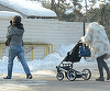 Adela Popescu a dat de greu: cum se descurca singura cu un bebelus? In timp ce Radu Valcan se bronzeaza in Thailanda, vedeta are un ajutor de nadejde in mama ei VIDEO EXCLUSIV
