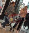 "Bianca Dragusanu si-a scos ""papusica"" in lume! Imagini de senzatie cu micuta Sofia alaturi de mama ei si de bunica! | VIDEO"