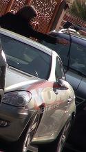 Romanita Iovan s-a razbunat pe stergatoarele de la masina unui barbat care a parcat pe locul ei! La fel patise si ea acum cateva zile VIDEO EXCLUSIV
