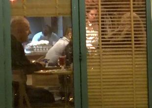 Costi Ionita are o noua iubita? Uite cum arata blonda pe care a scos-o la un restaurant turcesc VIDEO EXCLUSIV