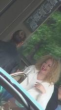 Oana Lis, tot mai trista! A iesit la o terasa cu o amica si si-a inecat amarul la un paharel de vin   VIDEO EXCLUSIV