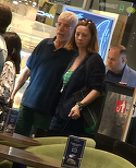 """State Potcovaru"" se crede bulibasa si in viata reala.  Gheorghe Visu si-a scos sotia la cafenea, dar a avut o atitudine de mare sef fata de consoarta!   VIDEO EXCLUSIV"
