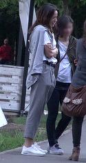 Andreea Raicu, jucausa si plina de viata la bratul unei femei!! A iesit cu amicele in parc si a fost intr-o forma de zile mari VIDEO EXCLUSIV
