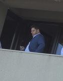 """Fiul lui Mircea Geoana a studiat in America, dar s-a intors in Romania ca sa se angajeze la o firma... """"de apartament""""! In pauzele de fumat iese cu colegii pe balcon ca sa-si potoleasca viciul VIDEO EXCLUSIV"""