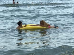 Oana Turcu a facut senzatie la Mamaia! Vedeta a venit pe litoral fara sotul ei, Cristi Brancu