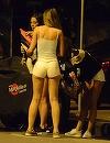 I-a aranjat posterioru', inainte sa calareasca motoru'! Roxana Vancea a iesit la o cursa pe doua roti nocturna, fiind asistata de o amica, la fel de sexy si apetisanta! | VIDEO EXCLUSIV