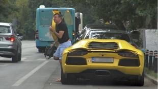 Dan Nicorescu a dat-o in bara la ultima aparitie in oras! Masina de gentleman si incaltari de valutist!   VIDEO EXCLUSIV