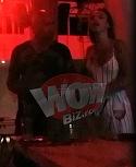 """Scarlatescu s-a consolat cu o blondina sexy, dupa ce Gina Pistol s-a combinat cu Smiley! Cunoscutul bucatar s-a sarutat cu foc in club cu o tanara din brigada """"My Dubai"""" VIDEO EXCLUSIV"""