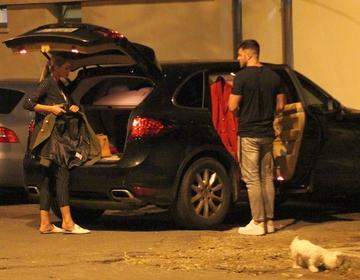 Bianca Dragusanu a iesit la cina cu Victor Slav, dar rasfatata familiei i-a dat batai de cap! Ce-a patit vedeta cu catelusa Bella? VIDEO EXCLUSIV