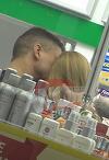 Cristi Boureanu si iubita tinerica, sarut pasional printre rafturile unei farmacii! Afaceristul se comporta ca un pustan indragostit nebuneste   VIDEO EXCLUSIV