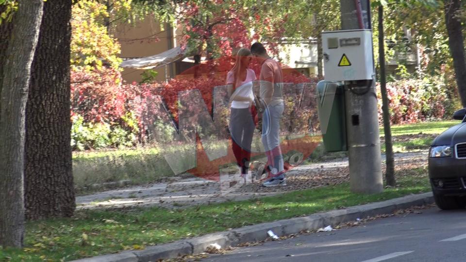 Dupa 60 de zile de arest, Boureanu s-a transformat intr-un romantic incurabil! Din baiatul rau si bataus... a ajuns sa plimbe acum prin parc un catelus VIDEO EXCLUSIV