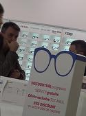 Lucian Mandruta si-a luat mersul de razboinic si-a plecat sa-si repare ochelarii!  Fostul prezentator tv  este foarte activ in mediul online | VIDEO