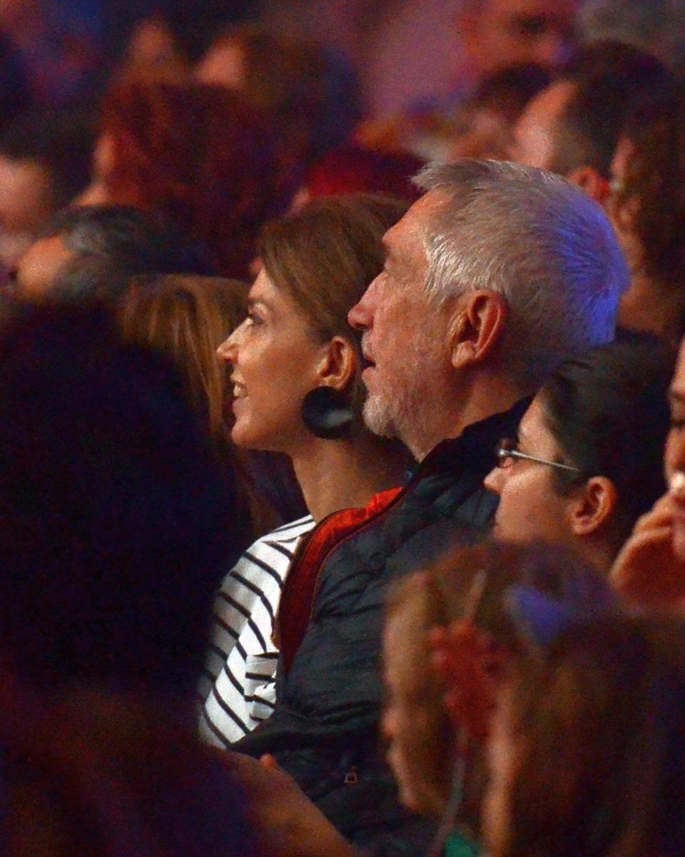 """Spectatori de lux la concertul Loredanei! Cum s-au manifestat Dan Chisu si """"Bella"""" lui pe ritmurile indracite ale Aguridei VIDEO EXCLUSIV"""