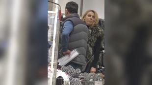 Dana Savuica si-a scos iubitul in lume! E o relatie pe bune! L-a plimbat prin magazine si si-a luat tot ce era mai frumos, iar barbatul a fost extrem de generos VIDEO EXCLUSIV