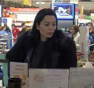 Dovada ca intre Ilie Nastase si Brigitte zarurile au fost aruncate! Au mers in mall in acelasi timp, dar s-au ignorat! Vezi prin ce situatie delicata a trecut fostul tenisman VIDEO EXCLUSIV