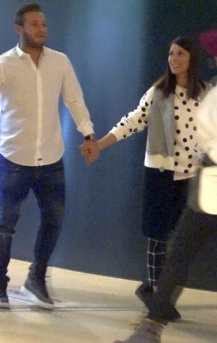 Ilinca Vandici i-a facut marcaj strans sotului ei, la film! Vedeta Kanal D s-a lipit ca un magnet de frumuselul Andrei   VIDEO