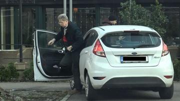 """Cornel Dinu, gest socant in mijlocul Bucurestiului! Ce a facut """"procurorul"""" dupa ce a iesit din masina"""