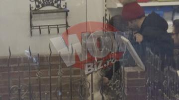 Cezar Ouatu si-a scos iubita la mall! Toata lumea a ras de fesul lui rosu cu mot maro! VIDEO EXCLUSIV