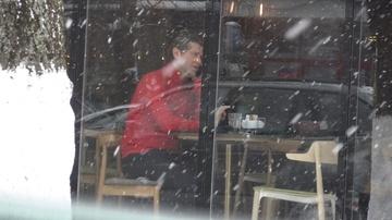 Florin Raducioiu a facut o criza de nervi la cafenea! Fostul fotbalist, filmat cand se certa VIDEO EXCLUSIV