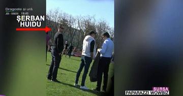 Serban Huidu isi supravegheaza baietii la antrenamentul de fotbal! Imagini paparazzi cu vedeta de televiziune pe gazon
