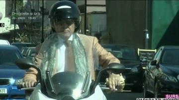 Ilie Nastase e elegant si cand se plimba cu scuterul. Uite cum l-au surprins paparazzii