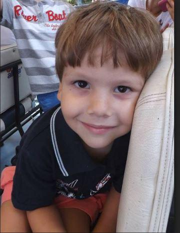 Tatal lui Ionut, baietelul omorat de caini in Parcul Tei, conduce un super-bolid! Ce numar de inmatriculare are acesta VIDEO EXCLUSIV