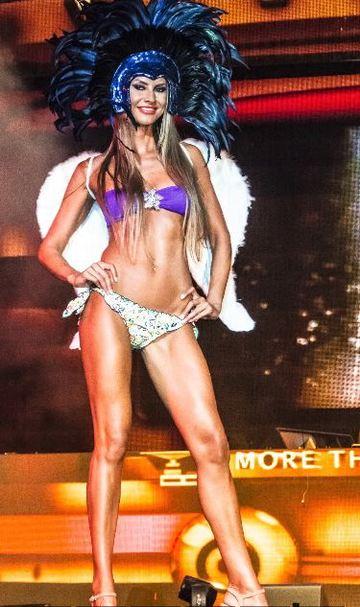 Claudia Neghina a facut senzatie in Ibiza! A fost nebunie la festivalul de moda: 10.000 de oameni au admirat modelele romance!