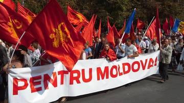 """Ne faceam griji pentru extremistii maghiari, dar stai sa-i vezi pe cei moldoveni! """"Fratii"""" de peste Prut care cer dezmembrarea tarii si formarea Moldovei Mari: """"Tigani borati de romani""""!"""