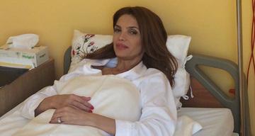 Foto Exclusiv   Prima imagine cu Cristina Spatar pe patul de spital dupa ce si-a schimbat silicoanele! Are acum sanii cu un numar mai mari! Si-a pus implanturi de 425 ml